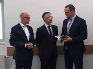 Übergabe DIA-Studie 50plus bei Minister Spahn